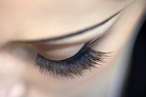 Las vitaminas para los cabellos sanos y las uñas doppelgerts las revocaciones