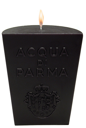 1SMALL DESIGN CANDLE BLACK
