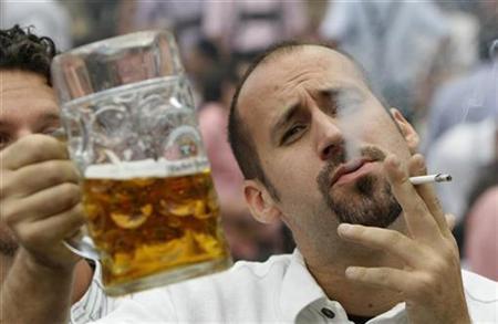 INTERNACIONAL-SALUD-ALCOHOL-HOMBRES