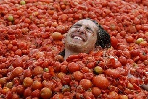 tomatina-tomato-bath