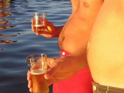 gordos-bebiendo-cerveza