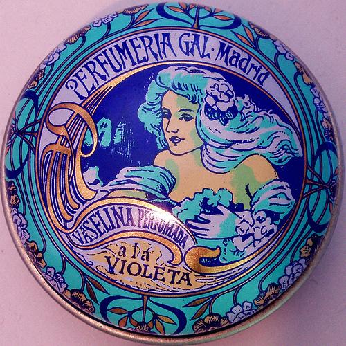 VASELINA-GAL-A-LA-VIOLETA