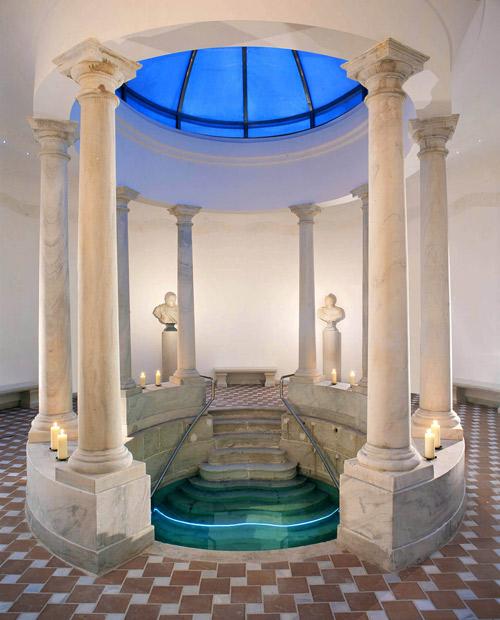 roman-bath-white