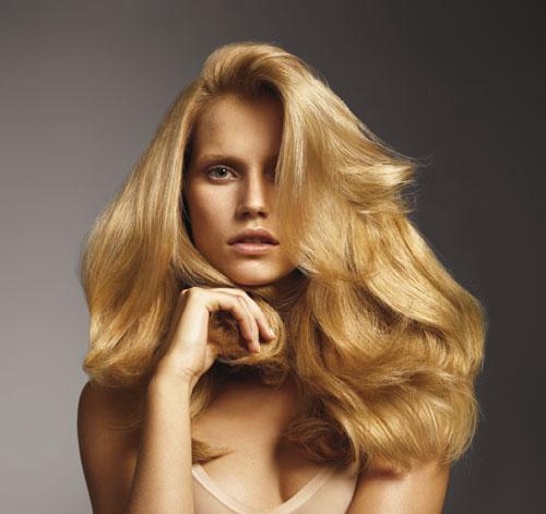 Model-Sheer-Blonde