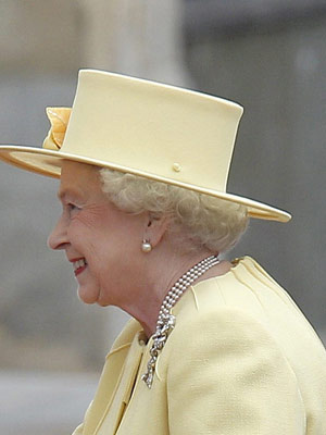 web-Queen-Elizabeth-2