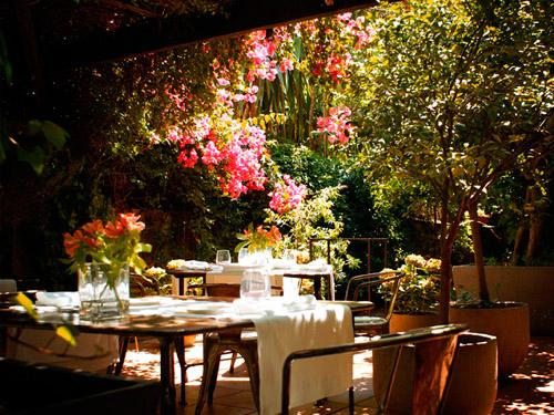 Restaurantes con jard n y con platos light un buen plan for El jardin de la maquina pozuelo