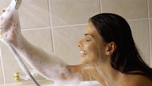 Ninas desnudas en las duchas Nude Photos 58