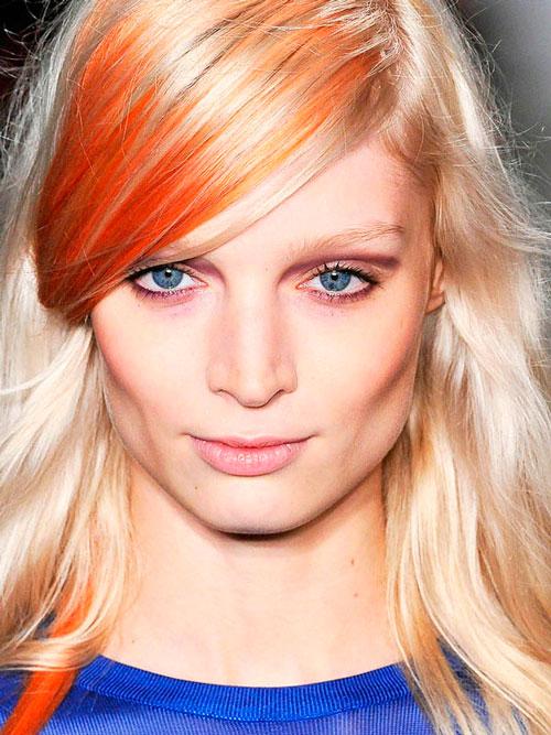 El aceite de ricino y la tintura de la caléndula para los cabellos