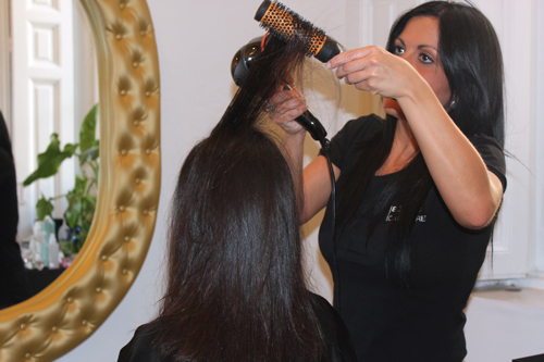 Imagen secando el pelo