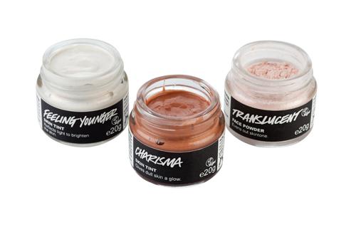 Imagen de los polvos traslúcidos y las bases de maquillaje de Lush