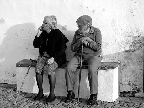 Señores sentados. Foto de Luis Olivenza