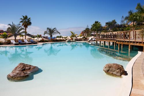 Una de las piscinas del Gran Hotel Bahía del Duque