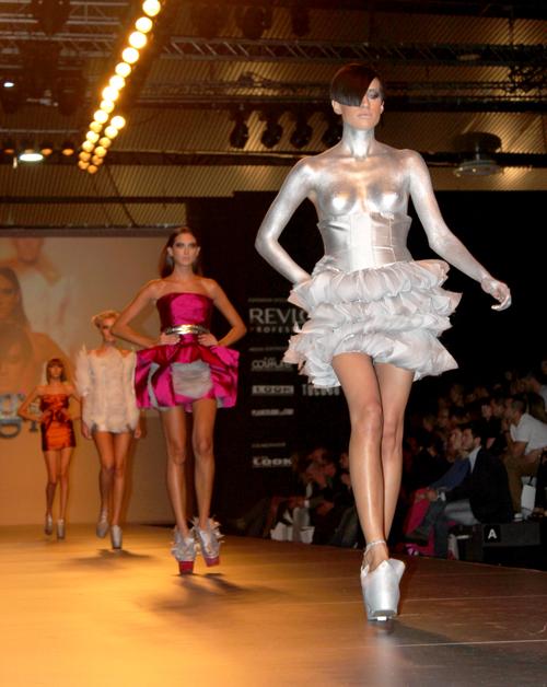 Propuesta de Carlos Valiente, premio a la Colección Comercial de Moda