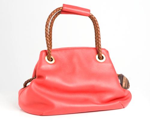 Bolso rojo de Tissa Fontaneda