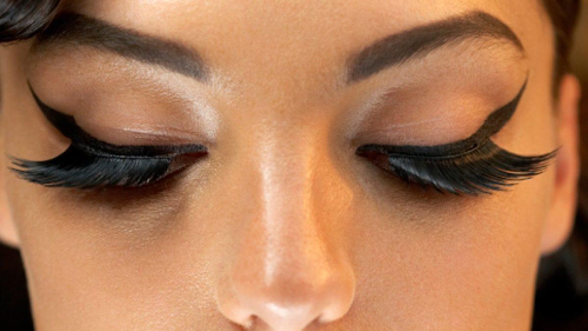 Tatuaje delineado de ojos antes y despues de adelgazar