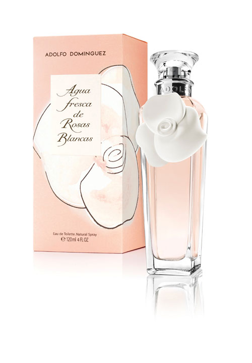 agua de rosas blancas