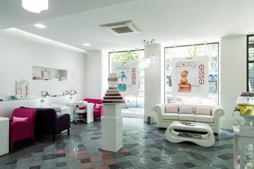 20 3 by essie probado bellezapura for Abrir un salon de belleza