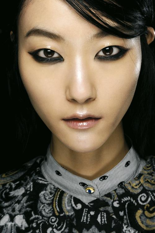 tendencias-maquillaje-ojos-otono-invierno-2013-2014-kenzo
