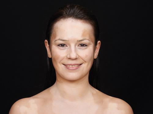 maquillaje antimanchas rostro cara cuello escote