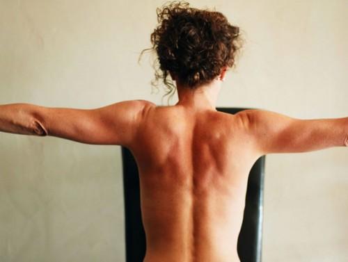 Los ejercicios para el alivio del dolor en la espalda al embarazo