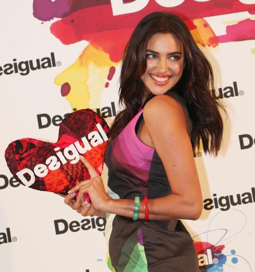 rina-shayk-desigual-080-barcelona-fashion