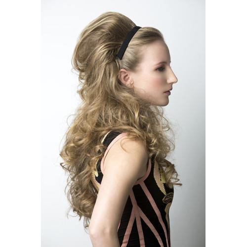 El tratamiento de los cabellos estropeados del vídeo