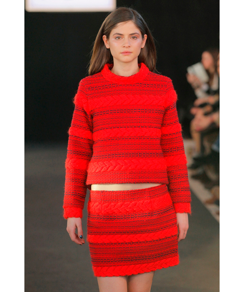 MFShow-poe-and-you-otono-invierno-2014-rojo