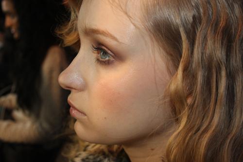 nicolas-atienza-MFSHOW-women-maquillaje