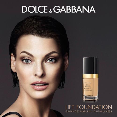 dolce-gabbana-linda-evangelista-lift-foundation