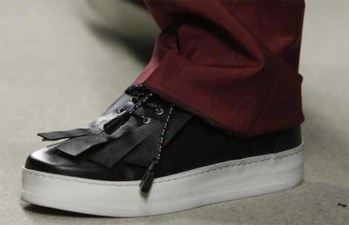 Kris Van Assche, cuerpo de sneaker, 'topping' de mocasín