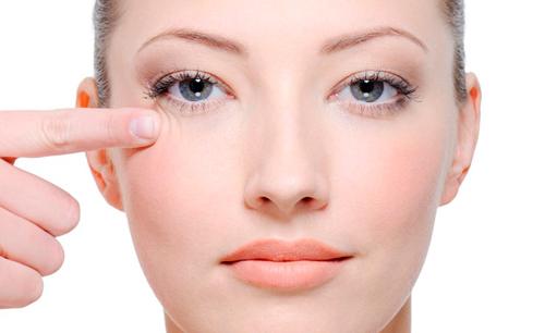 moises-amselem-acido-hialuronico-contorno-ojos