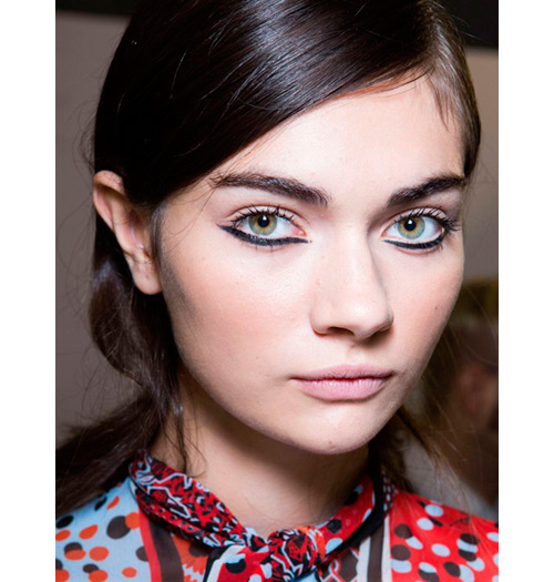 tendencias-maquillaje-primavera-2015-eyeliner-just-cavalli