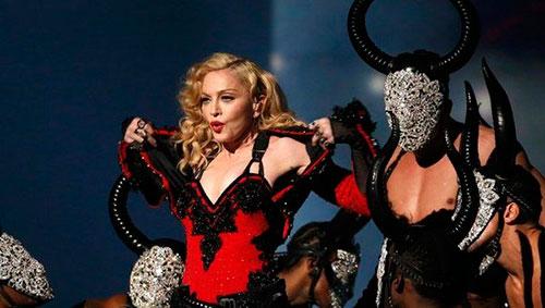 Madonna torera en los Grammy 2015