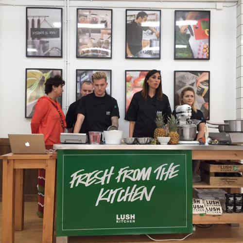 Preparados para cocinar los Lush Kitchen