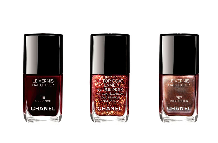 chanel-maquillaje-navidad-rouge-noir-absolument-le-vernis