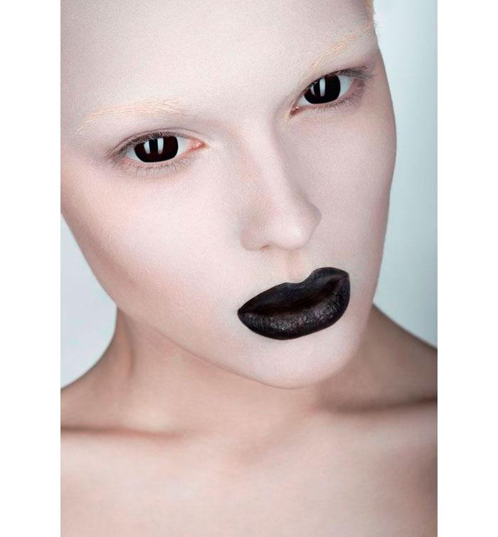ideas-maquillaje-halloween-labios-negros