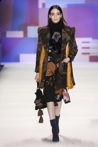 Los abrigos retoman la silueta de los kimonos