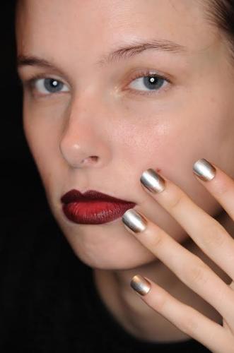 TendenciasNYFW-nails-MorganTaylor
