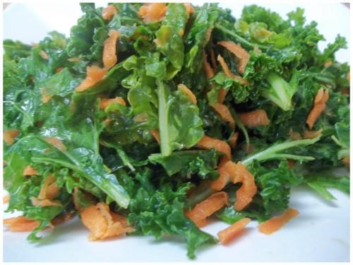 ensalada de kale con zanahoria