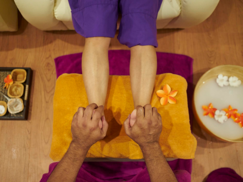 El masaje Naam de pies promete una renovación total de cuerpo y mente en media hora escasa.