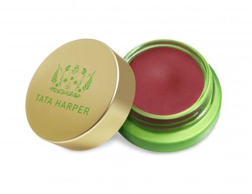Un imprescindible en todos los neceseres: el nuevo bálsamo con color para labios y mejillas.