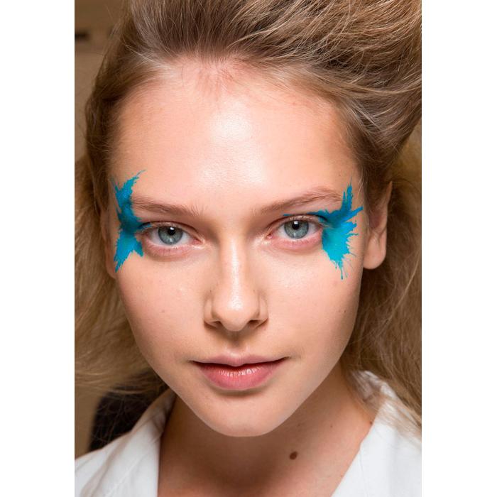 maquillaje-azul-mar-inspiracion