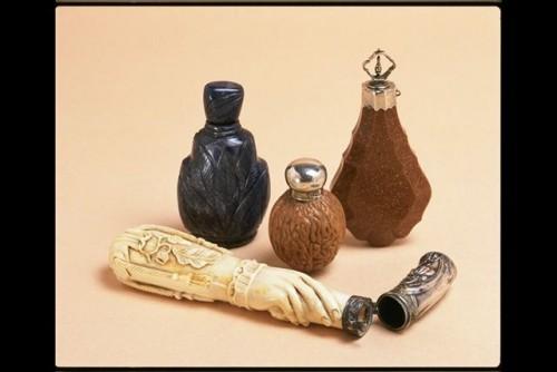 Esencieros de Egipto o Mesopotamia, joyas del Museo del Perfume