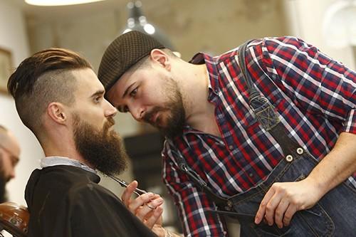 bearbero-barba-poblada-sin-complejos-3