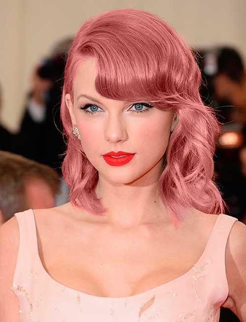 Hasta Taylor Swift se apunta a la moda del cabello rosa