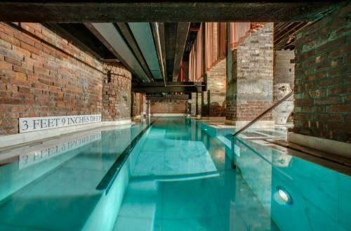 La maravillosa piscina templada que te deja K.O. en dos asaltos.