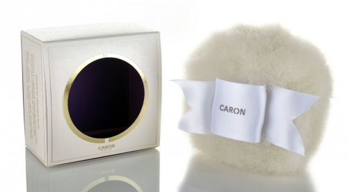 Los polvos de belleza, uno de los grandes desconocidos de Caron que enamora a primer borlazo.