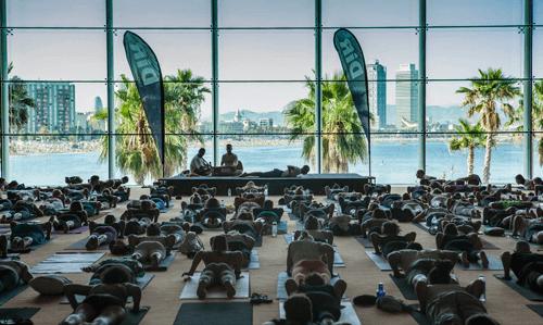 Yoga Day Solidario en el Hotel W de Barcelona