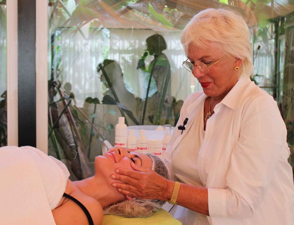 Christina Zehavi tratamiento