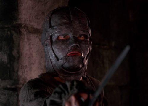 hombre-mascara-hierro